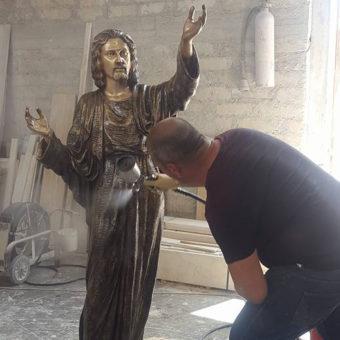Lavorazione Statue di Gesù